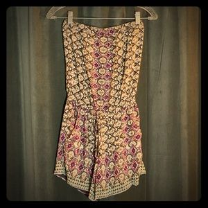 ANGIE- Strapless Boho patterned Romper Size S